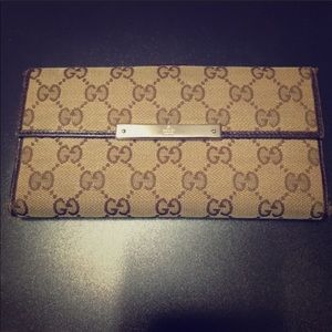 Authentic Gucci Continental Monogram Long Wallet